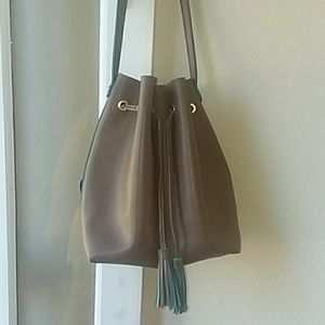 Steve Madden crossbody bucket handbag